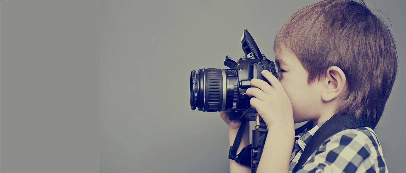 child_taking_photo